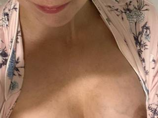 Makeup off, boobies out lol Just a quick little pic for you guys and girls. Let me know if you want more 😘