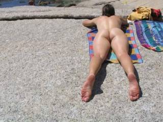 With a body like that public nudity should be mandatory. It is your civic duty to show off that sweet ass.