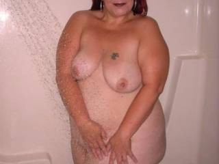 Well may we join you in the shower as seeing you makes us think really dirty thoughts!! Super Sexy lady xxx