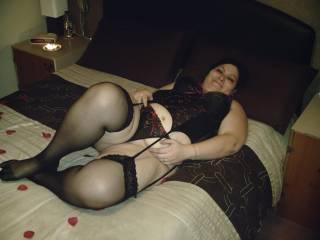 my on bed waiting for hubby to fuck me hard mmmmmmmmmmmm