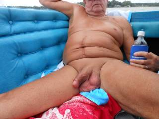 Still a good looking cock, jj,  if its still so horny, I will take it in hand, get it hard and then give it a slow bit very hard wank for you. Wud you like ???