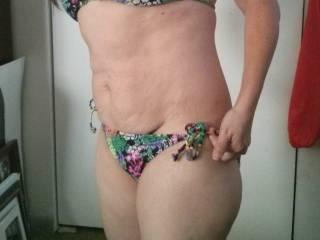 Bikini pics for your pleasure