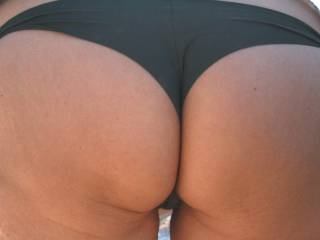 Wow simply awesome ass mm want to squeeze and kiss it