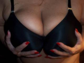 grabbing my 42DDD big boobs for you guys to tribute in a video. just imagine me bobbing those big breasts of mine up and down on your stiff cock, until you explode. mmmmmmm... pm me if interested in giving tributes. xoxo