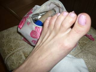 Great feet with very suckable toes!! Love your big toe! I've got plans for that one!!!!