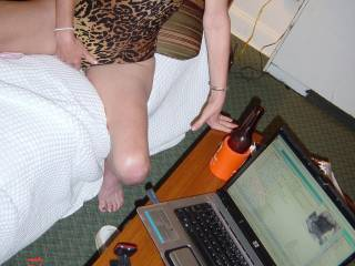 PLAYING ON WEBCAM...LUV WATCHING YOU STROKE YOUR COCK UNTIL YOU CUM