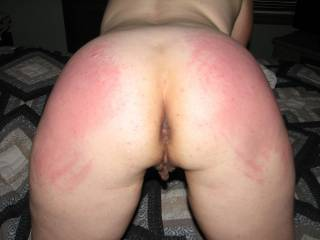 Beautiful red cheeks, a little more spanking, then wud give her nice pussy lots of pleasure. xxxxxxxxxx