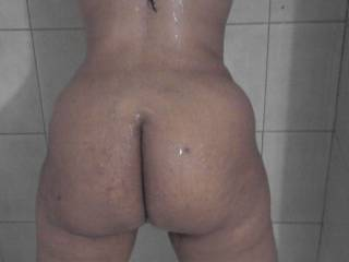 I love whn my wife shows u her ass...