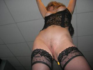 Wow, perfect body! Very inviting!Love to touch your beautiful pussy lips!!