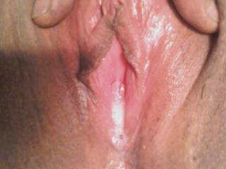 my wifes pussy after i fucked her/her cumming those taisty juices...do you like?