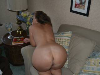 I\'m so horny I want 2 big cocks and a woman to play with. Candi