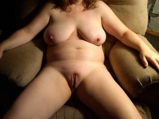super image... perfect body for me...nice lush breasts... oh and that freshly shave pussy... would luv to have my face buried in there...tasting you...hands playing with those fine breasts