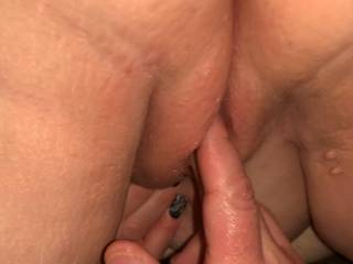 Lubing up my pink pussy for a great doggy fuck!!! Leave comments.