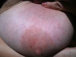 I want to suck on it  and make that nipple so hard..