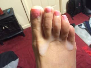 Mmmm, I want to lick every drop of hot cum off your sexy feet!