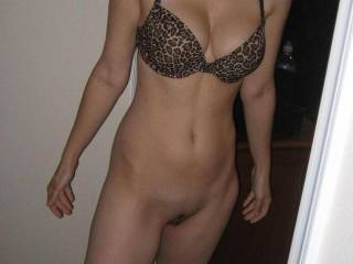 mmmmmmmmmmmmmmmmm i want to kiss every inch of your amazing body and taste your sweet shaved pussy