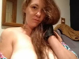 Over at a friends house and feeling sexy and naughty