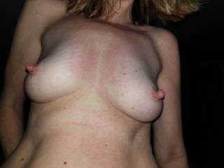 I\'m riding Kenny\'s cock, wanna bring yours to my mouth then wank over my tits?