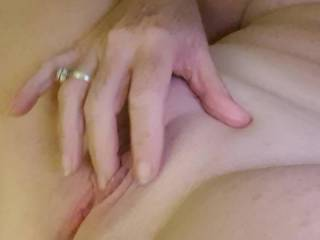 I need a lovely boy to feed my pussy....