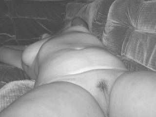 I would love to bury my face between your thighs and taste your juices