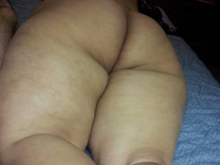 i love my gfs ass and she got very tight pussy