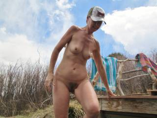 hot so like girls that like being all naked outside