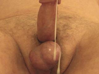 beautiful cum needs a licking and sucking