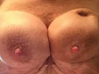 Wish I could slide my uncut between those big nipples!