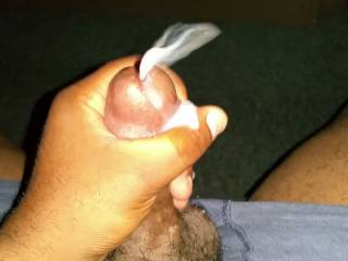 Mmmmm, I'd love to catch that cum in my mouth....and suck his cock clean.  MILF K