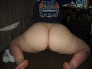 What a huge sperm container you got there. Mmmmmm...guess what i would do to your ass now?