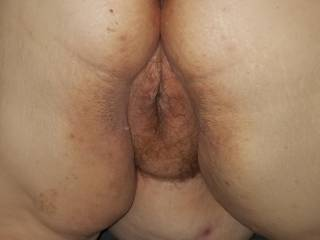 Do you like fat girl pussy? She does.  Any girls want to 69 with her?
