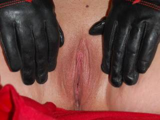 first pic of my sweetly shaven puss what do you think xxxxxxxxx