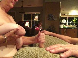 Wife giving a great blow hand job and swallows at the end. Hope you like it!