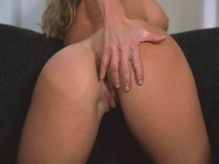 What NAUGHTY lady would like a lick ?