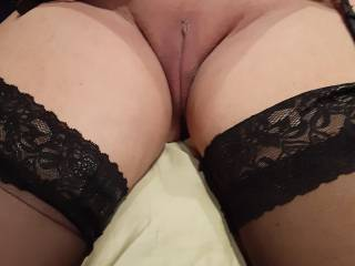 This hot senior is showing off her beautiful pussy not bad for a 65 year old woman