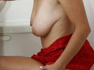 you know your a very sexy lady can i rub my cock up and down your ass crack until i cum?