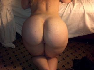 This is awesome....perfect for ANY asslovers out here! Would love a video of that naked ass featuring those fabulous cheeks!