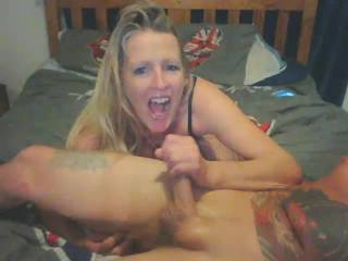 i blew a nice load into my girls mouth and she loved it as usual