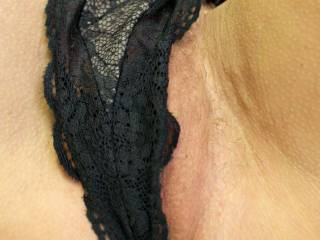 oh honey....thats what i would be saying if my face was this close... pure heaven... sexy black knickers, covering your delicious pink holexxxxxx