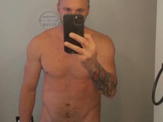 I love showing my body. Anyone wanna play?