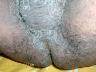 Love to look on that hairy ass and balls