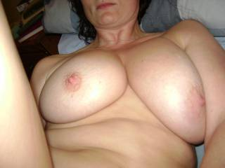 wow, those r some juicy tits...i'd love 2 bust all over them!
