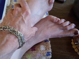 My Master did my pedicure. We played footsie for a little while today. A master takes good care of his Queeen. It is this Queens pleasure to be submissive to such a caring Master. As you see in our pictures we take pride in grooming one another.