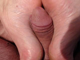 Mm love your feet love to feel them on my cock and I would shoot hit cum all over them sexy soles mm