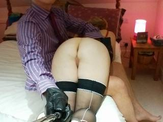 Stunning ass...love to spank her myself xxx