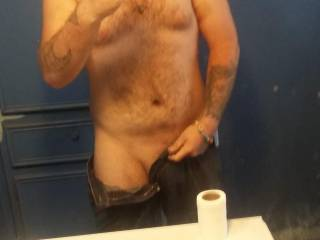 Look at my sexy body  iv lost so much who wants to a cock  pic just 4 them jus leave a comment