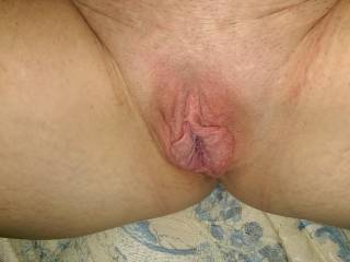 love to suck on your big sexy lips and clit till you cum all over my face