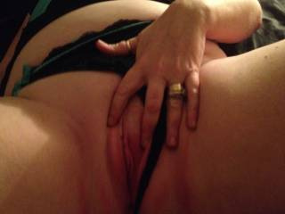playing with the wife! she wants to see cum on her pussy ! pm for more pics!
