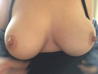Awesome tits with very suckable nipples