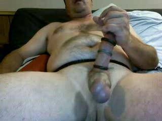 This is the kind of flick that gets hotter and hotter! Fantastic cock! Big,thick and sexy!